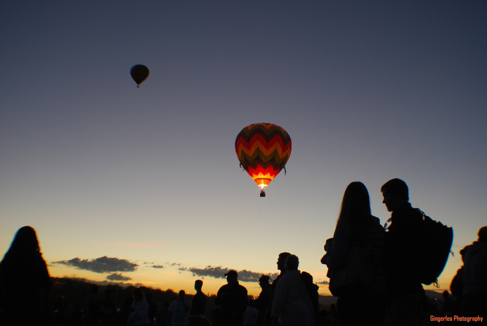 The sun was starting to rise ... and the show had not even begun ... more balloons to come!