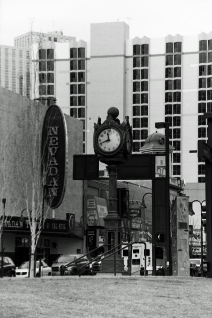 nevadan clock